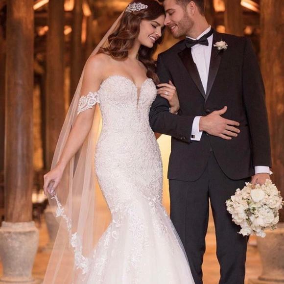 Essense of Australia Dresses & Skirts - NEW, UNTAILORED Essense of Australia Wedding Dress